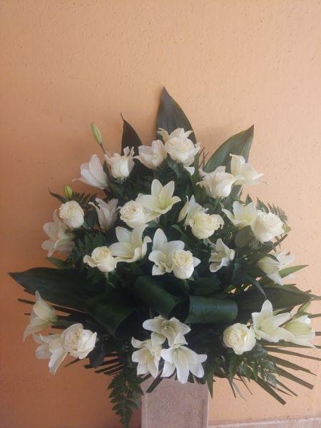 centro variado con rosas (2)